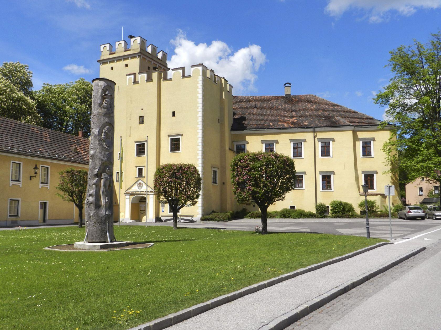 Thayarunde-Schloss Groß-Siegharts
