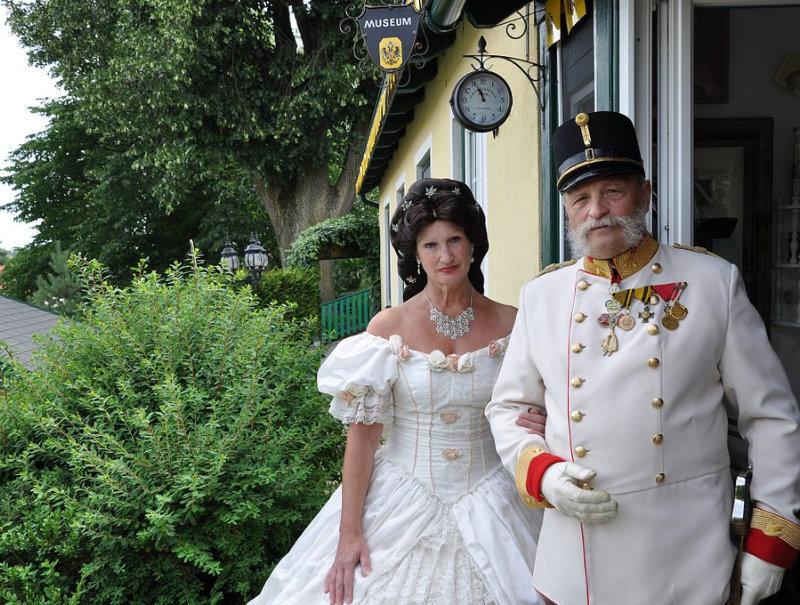 Thayarunde-Kaiser Franz Joseph-Museum   –   Familie Jares
