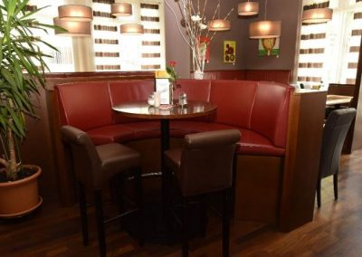 Thayarunde-Cafe-Restaurant Scharizer e.U. Oswald`s – Bettina und Jürgen Scharizer-3
