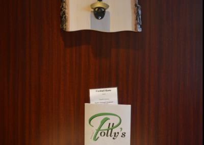 Polly's