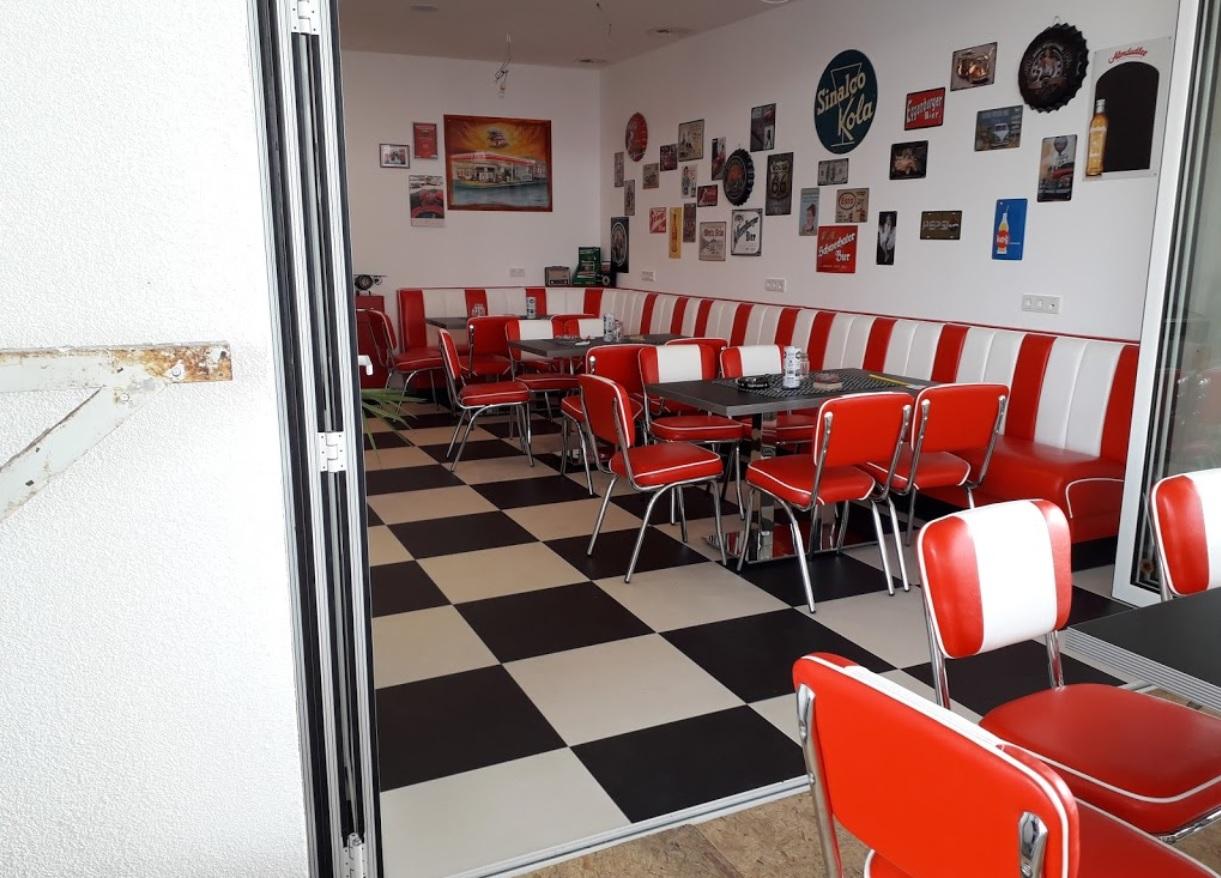 Thayarunde-Avia Retro Cafe